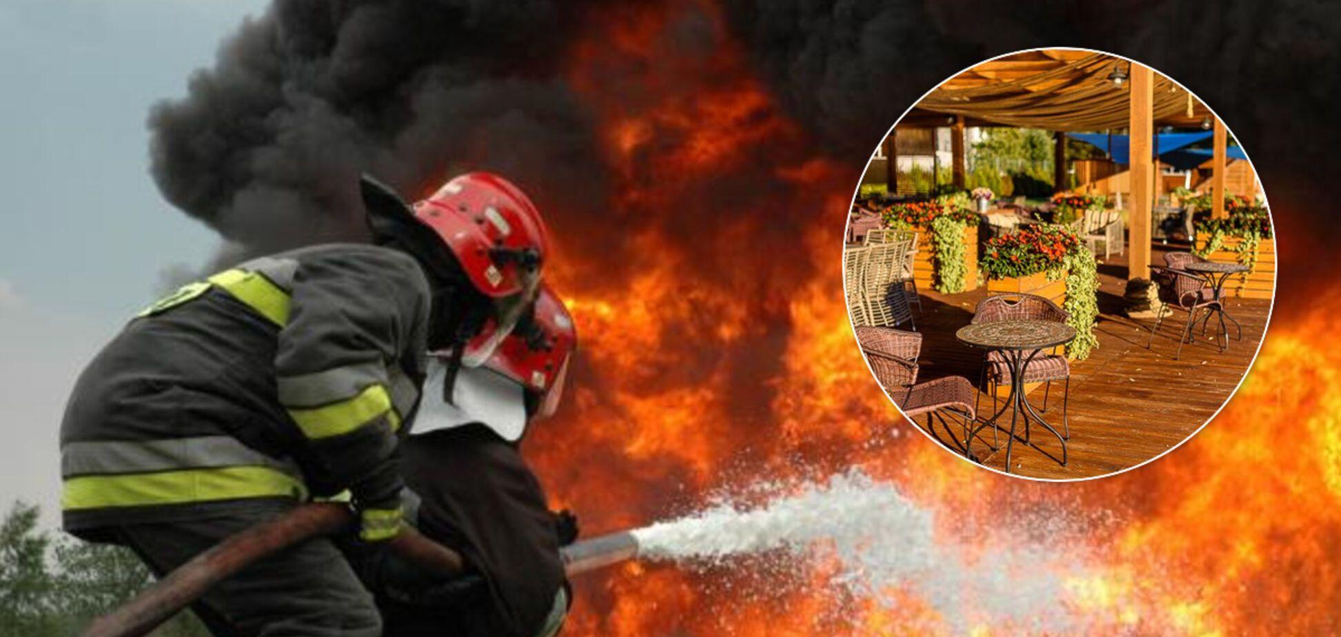 У Києві згорів яхт-клуб: відео масштабної пожежі