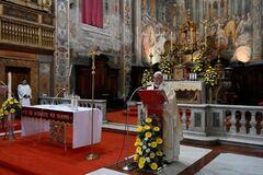 Папа Римський із тривогою привітав віруючих з Великоднем: попереду – вірус байдужості і егоїзму
