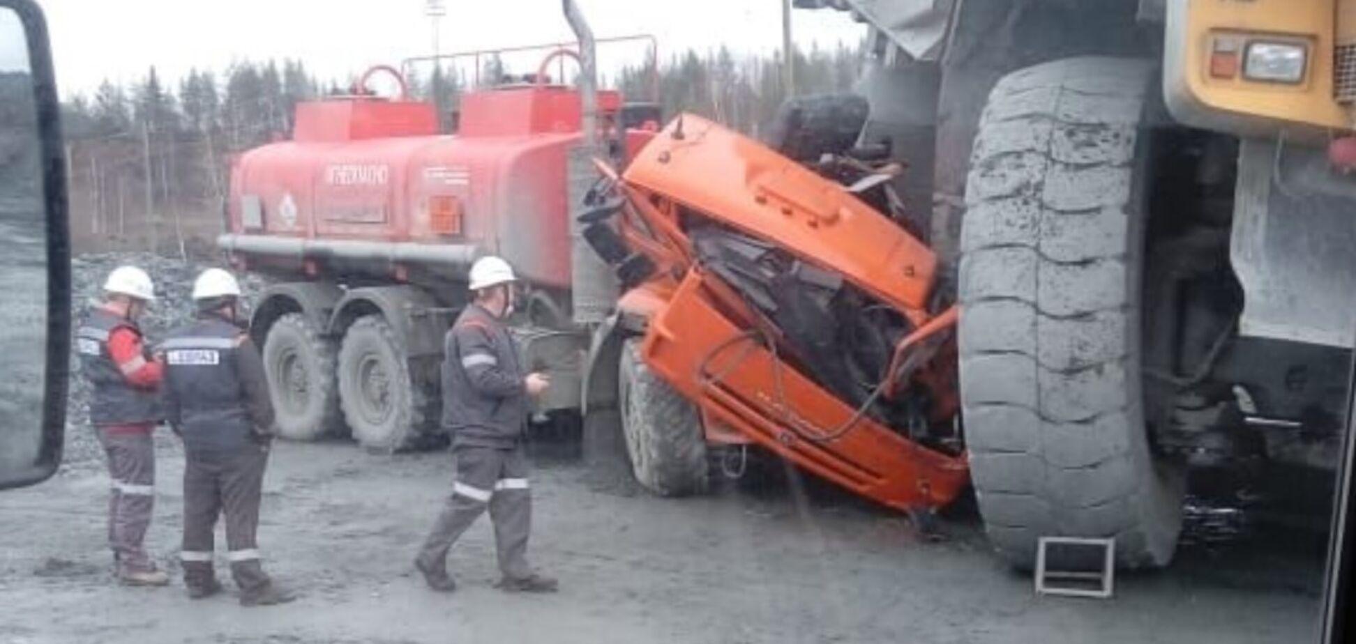 БелАЗ наехал на КАМАЗ: как выглядит грузовик после ДТП