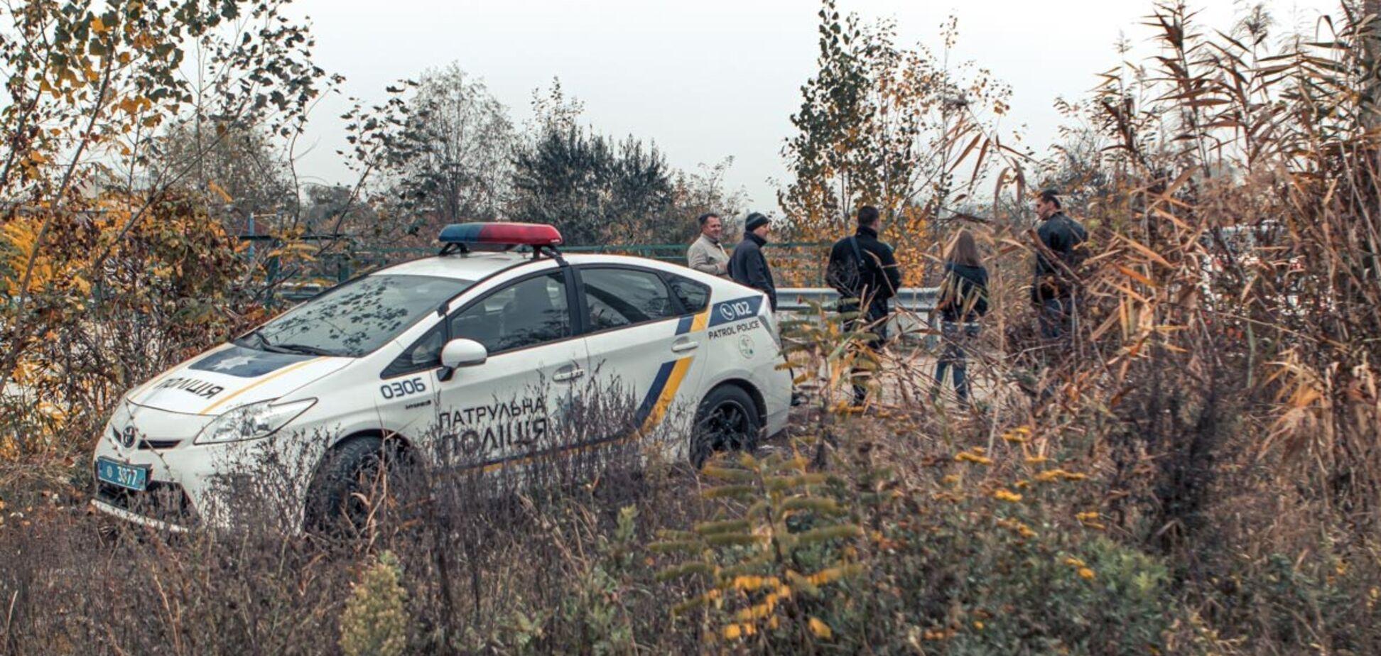 Під Дніпром знайшли труп жінки з мотузкою на шиї. Фото 18+