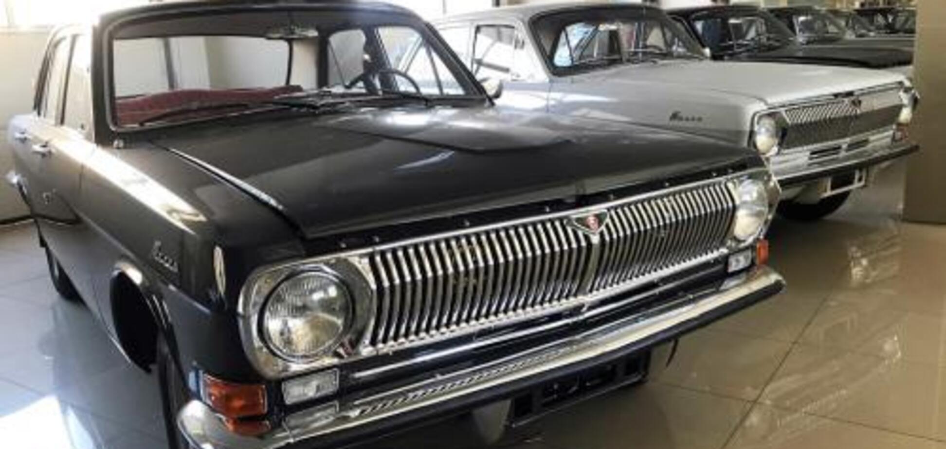 Назад в СССР: в России открыли автосалон с советскими авто