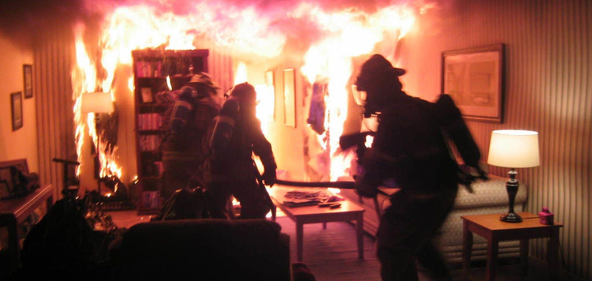 У Кривому Розі з палаючої квартири врятували обгорілого чоловіка