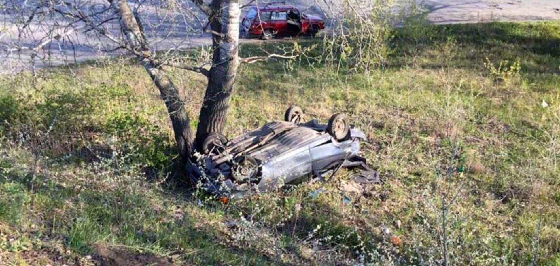 Під Дніпром ЗАЗ і Honda влаштували жорстку смертельну ДТП. Фото
