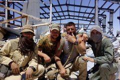 Взорвали пах, раздробили ноги и обезглавили: в сети появились ужасающие кадры пыток армии Путина в Сирии. Видео 18+