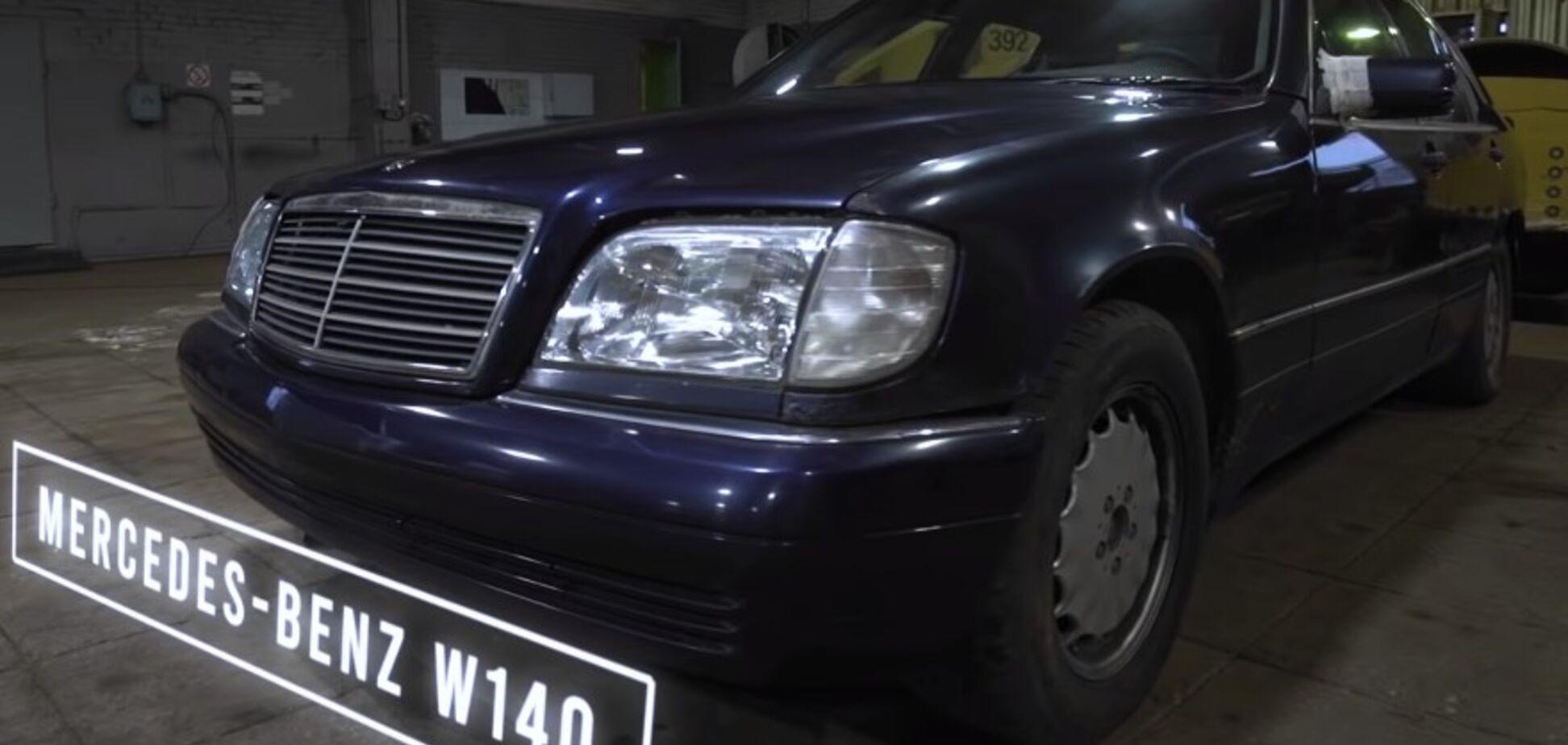 Старые Mercedes и BMW столкнули друг о друга. Видео