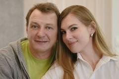'Напился с ребенком, падла!' Скандал Башарова с его бывшей женой попал на видео