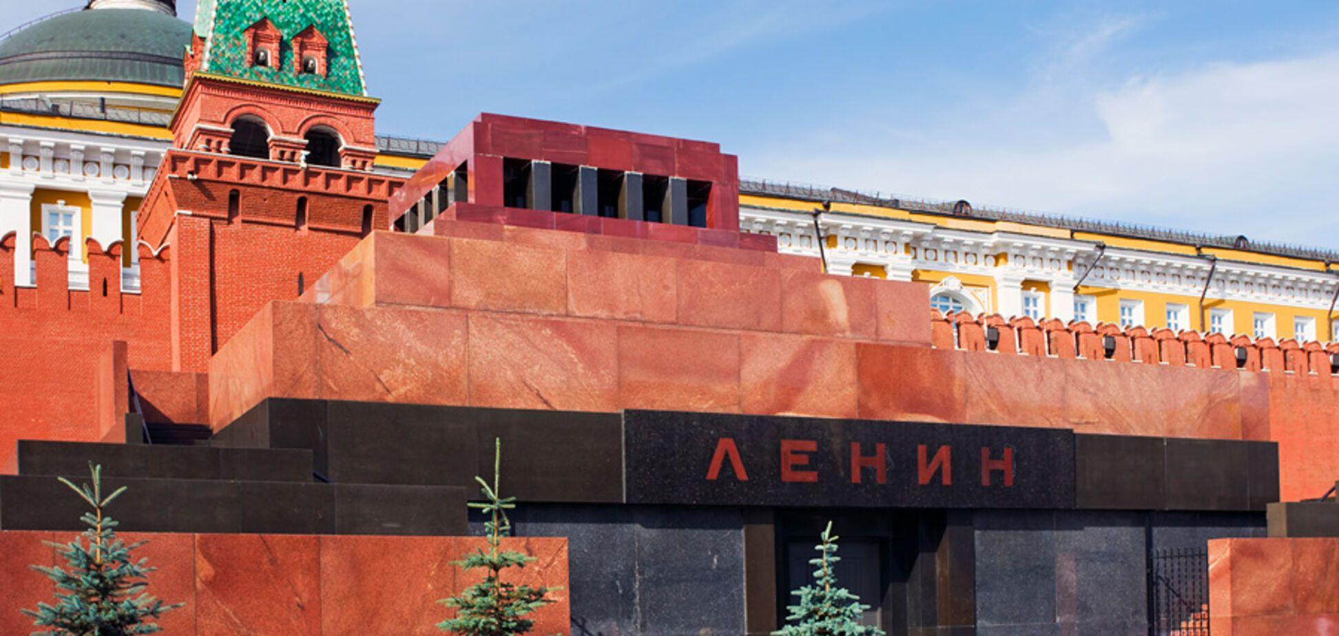 Мавзолей Ленина нужно закрыть и демонтировать