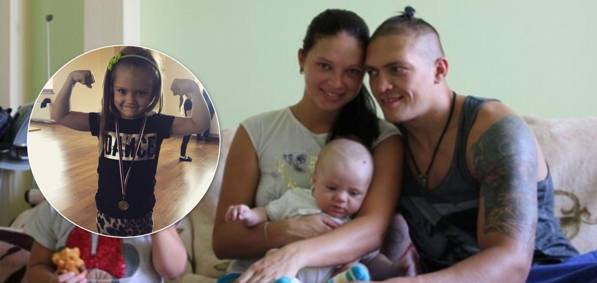 Усик показал, чему учит дочь на карантине - опубликовано видео