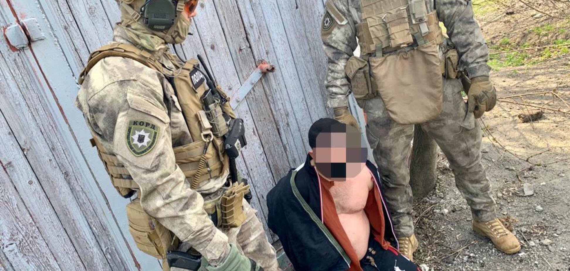 Грабували і били людей: у Дніпрі затримали ватажка злочинного угруповання