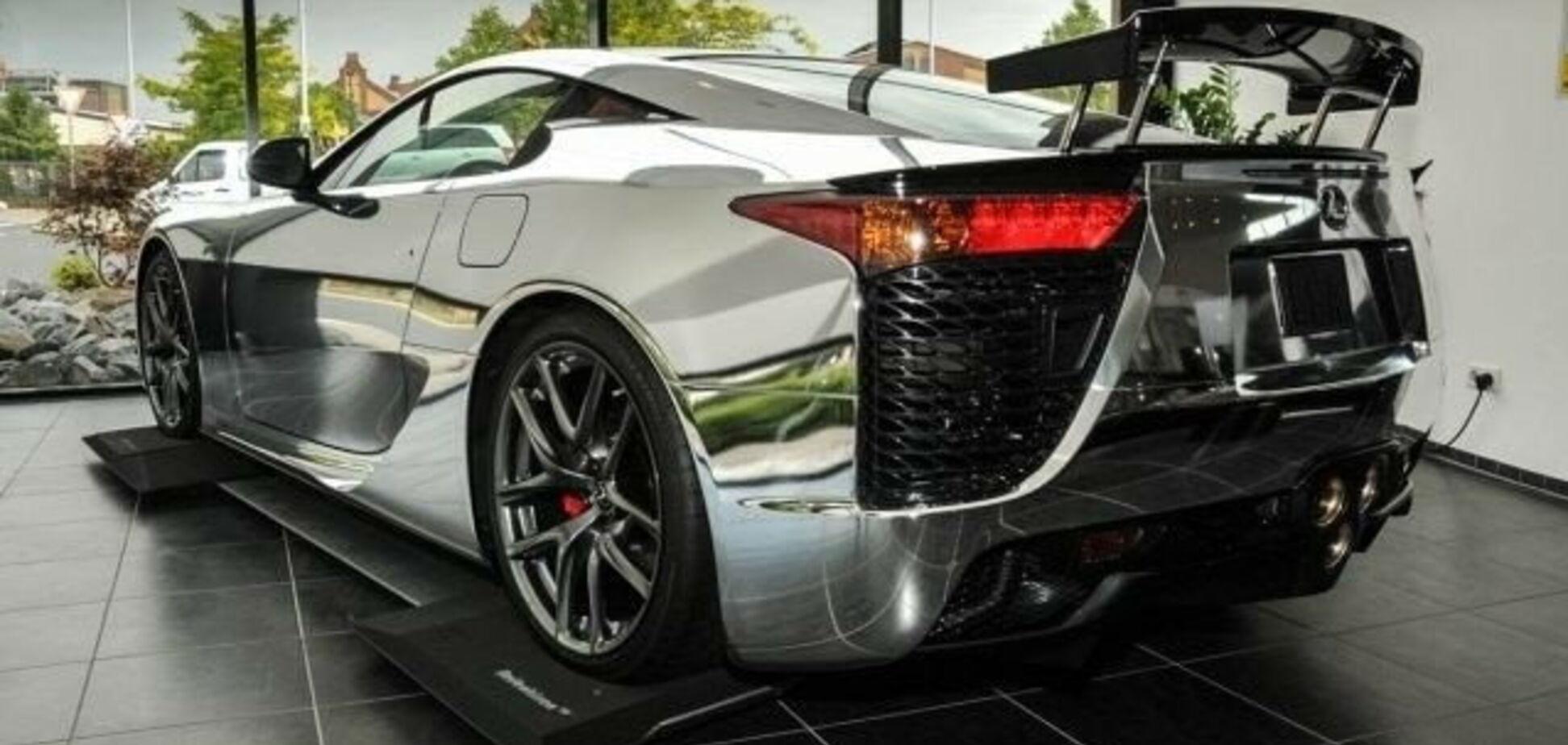 Найдорожчий Lexus у світі продають майже без пробігу