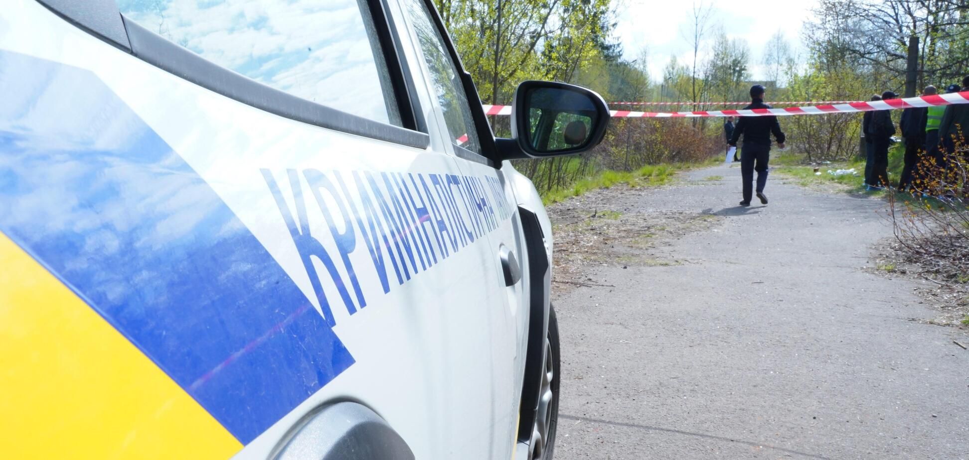 Жестоко убивали: во Львове нашли тело женщины в заброшенной воинской части