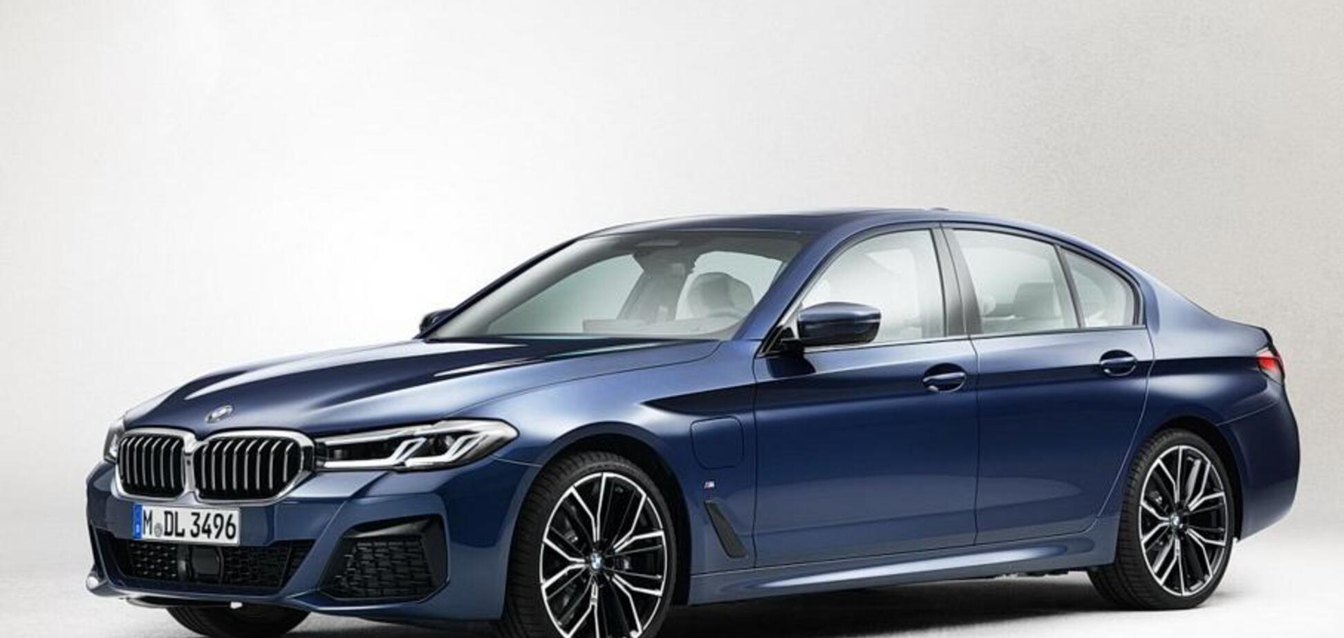 Під сімку: нова BMW 5-Series показалася на офіційних фото