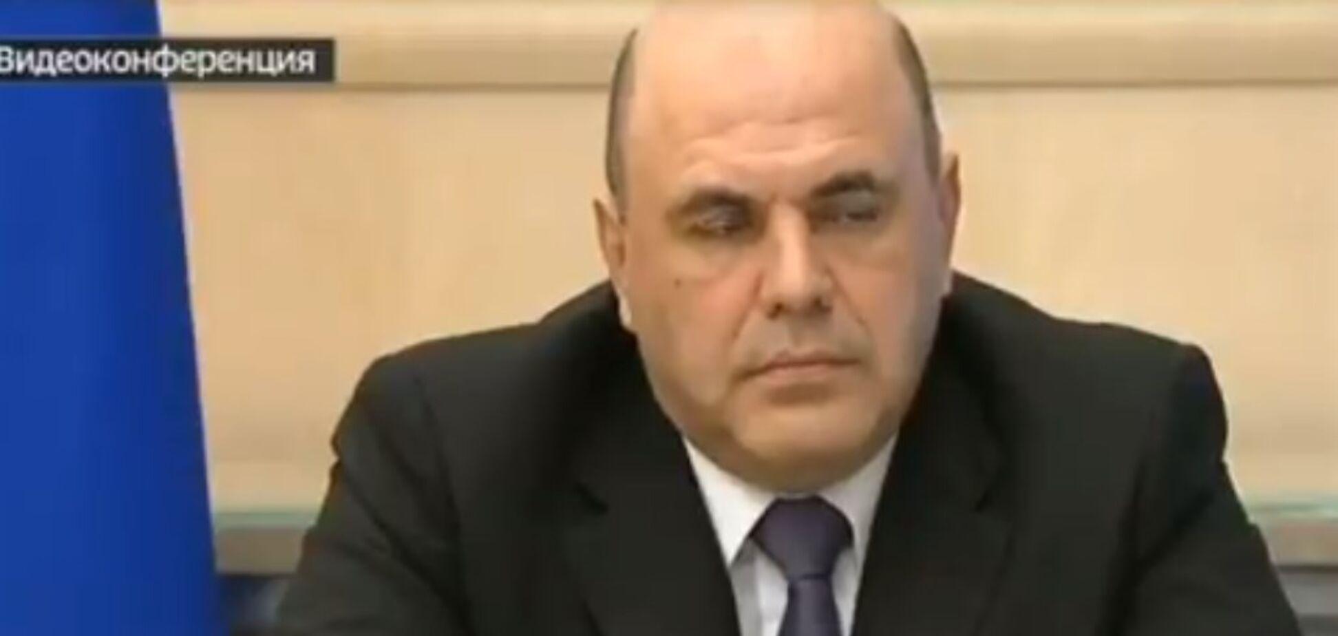 Сеть позабавил засыпающий под голос Путина российский премьер. Видео
