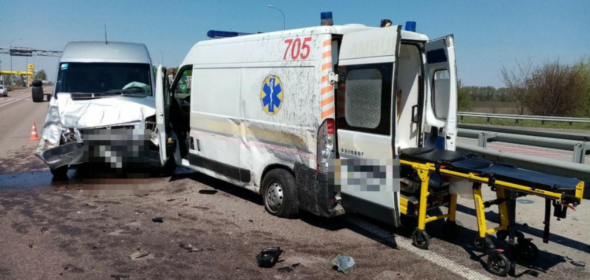 На Київщині п'яний водій швидкої влаштував ДТП