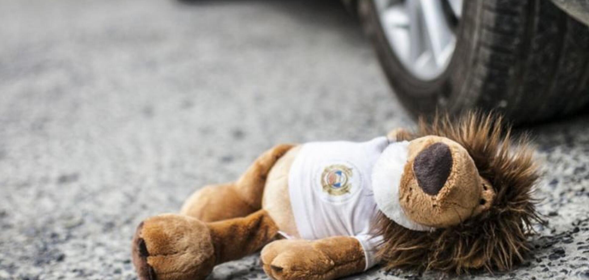У Дніпрі 2-річна дитина потрапила під колеса автомобіля