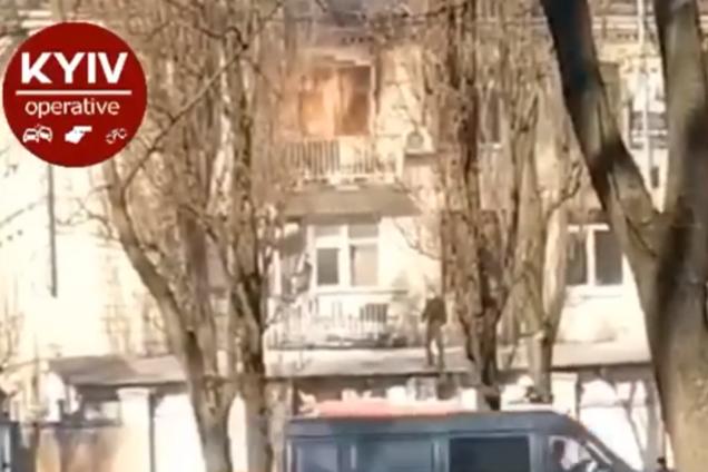 В Киеве вспыхнул масштабный пожар в офисе