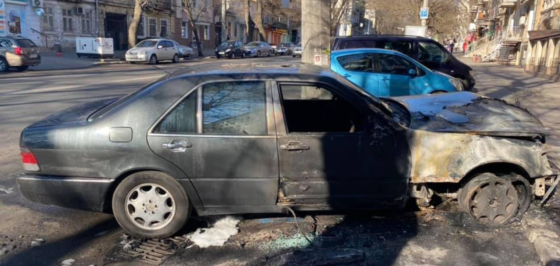 В Одесі спалили машину проукраїнського активіста