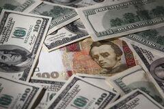 На українців чекає новий курс долара: аналітик розповів, коли розвернеться гривня