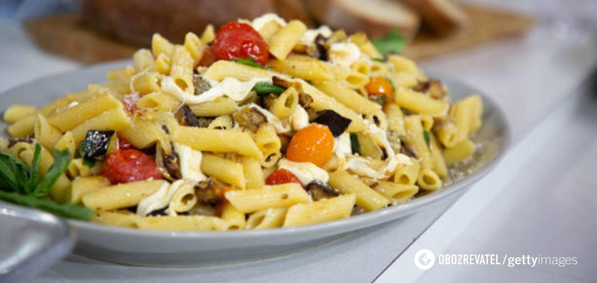 Дешево і смачно: паста з грибами у вершковому соусі