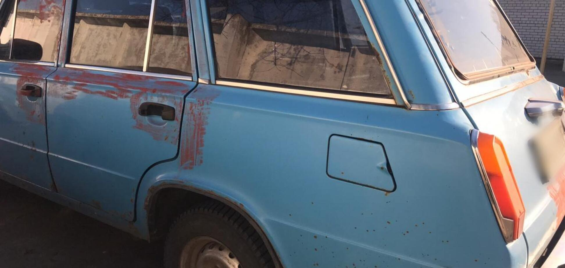 На Дніпропетровщині чоловік душив водія мотузкою, щоб забрати машину