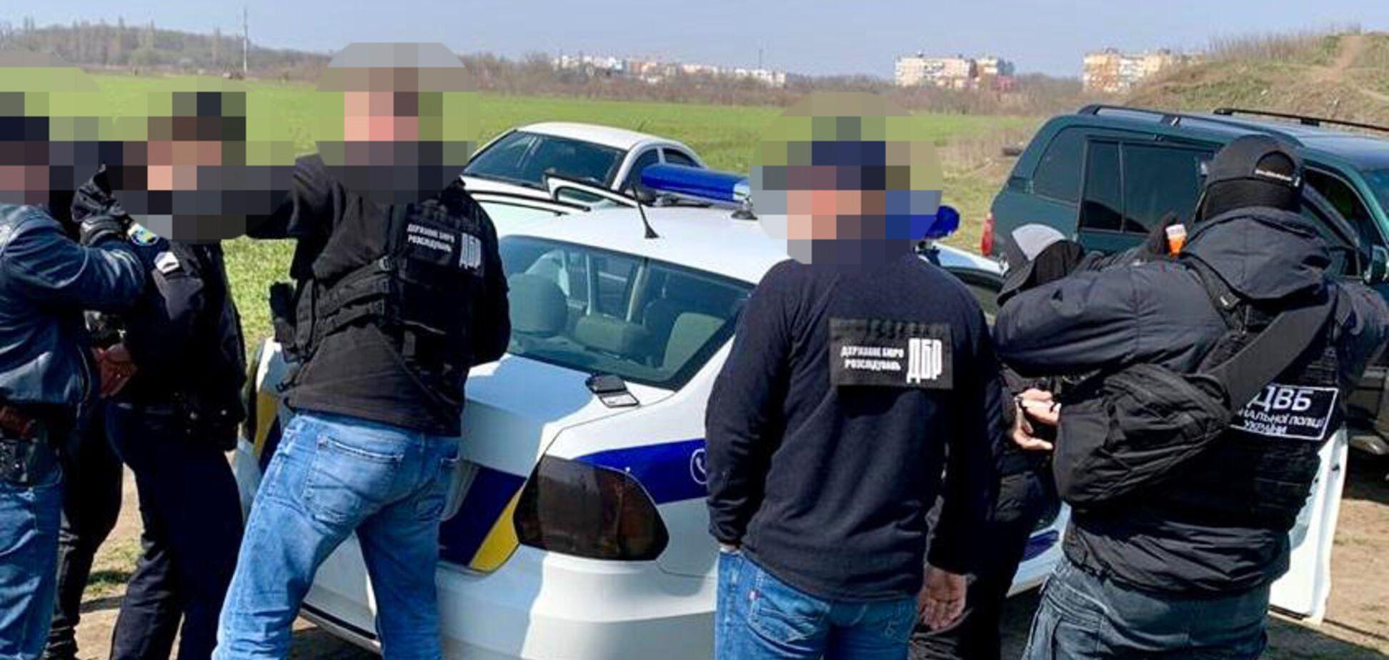 В Одесі копи вимагали від дилера продавати їхні наркотики