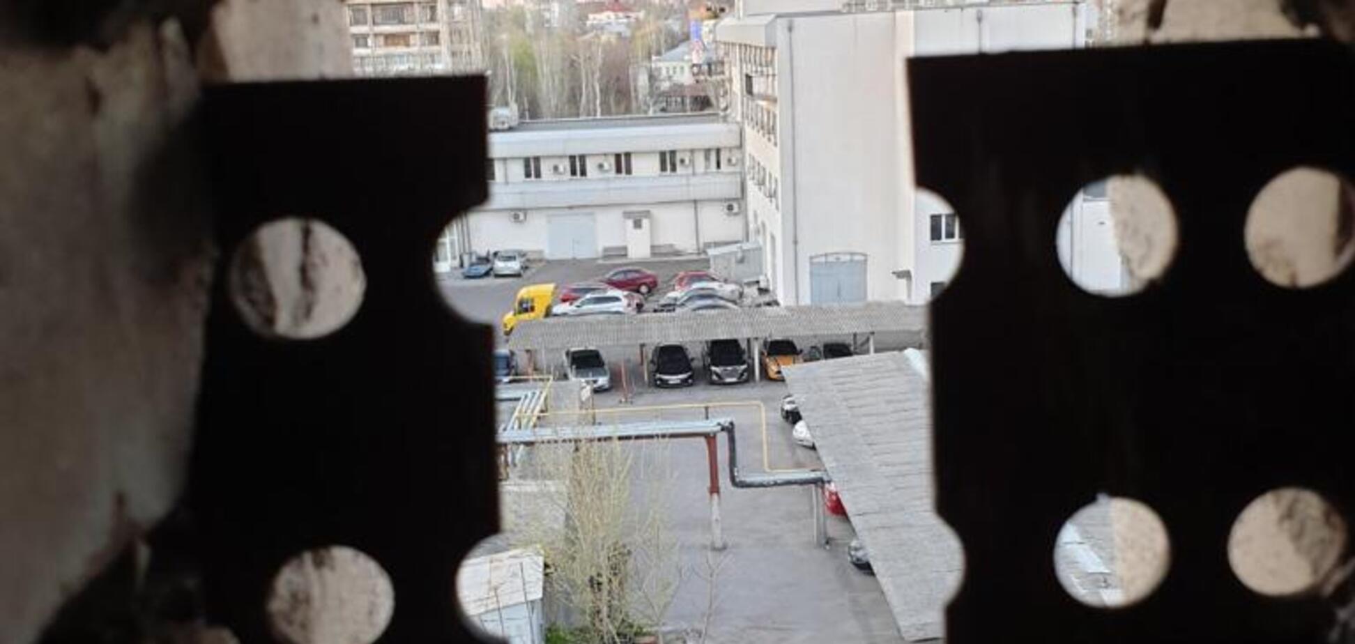 Замах на 'Мультика' Михайла Тітова: поліція Миколаєва показала зброю і місце стрільби. Фото та відео