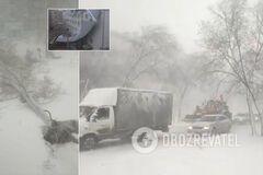 Сорванные крыши и поваленные деревья: Казахстан в апреле накрыла мощная снежная буря. Фото и видео