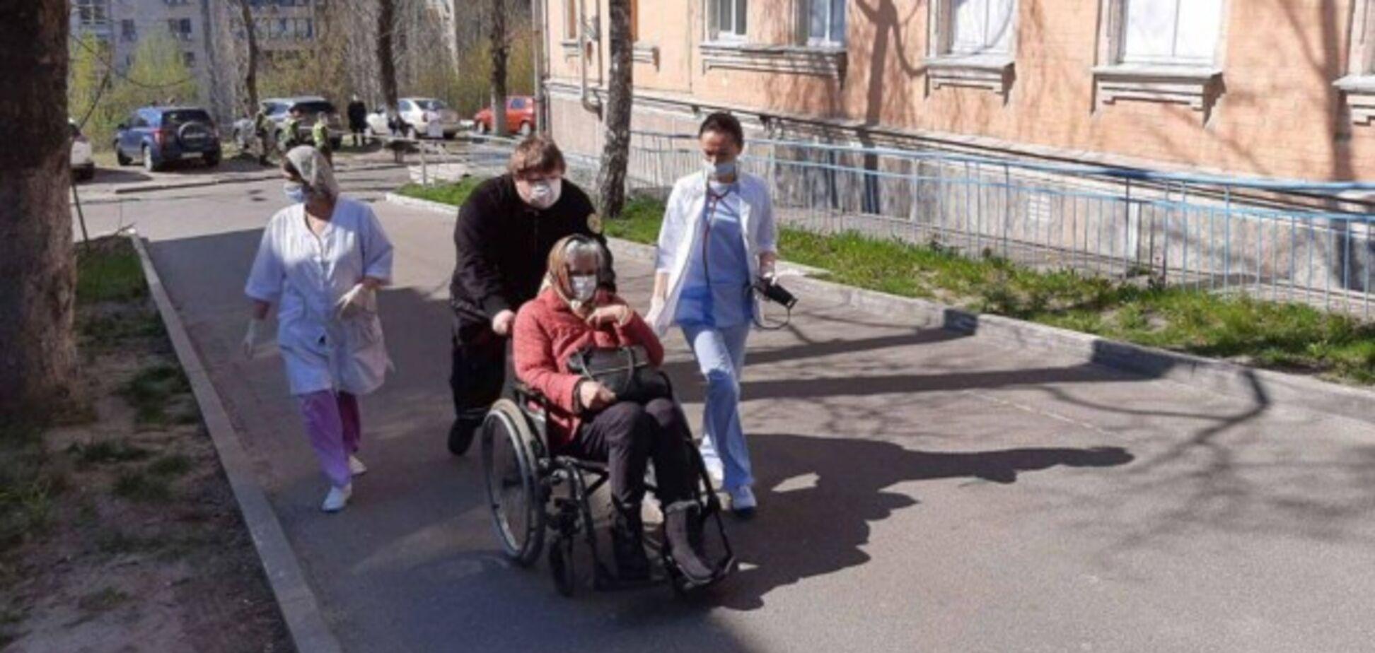У Києві пацієнтів повернули в лікарню після 'мінування'
