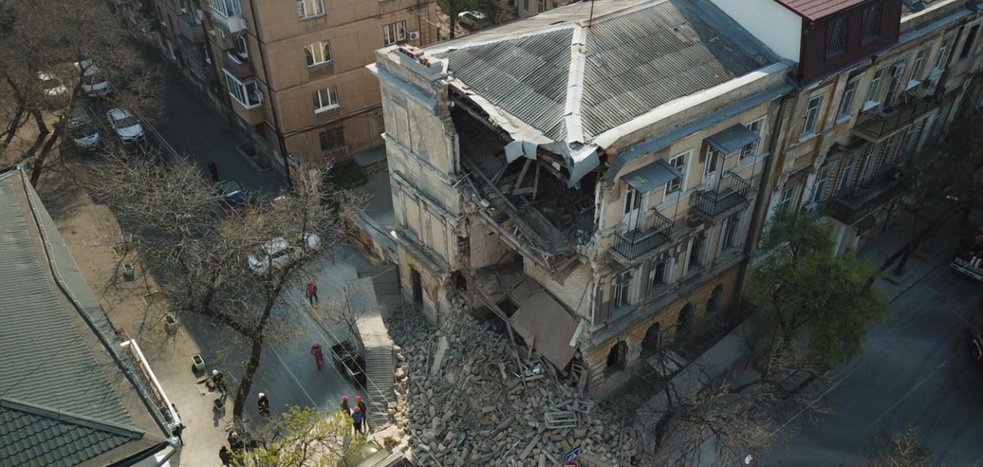 У центрі Одеси завалився старовинний будинок. Перші фото з місця НП