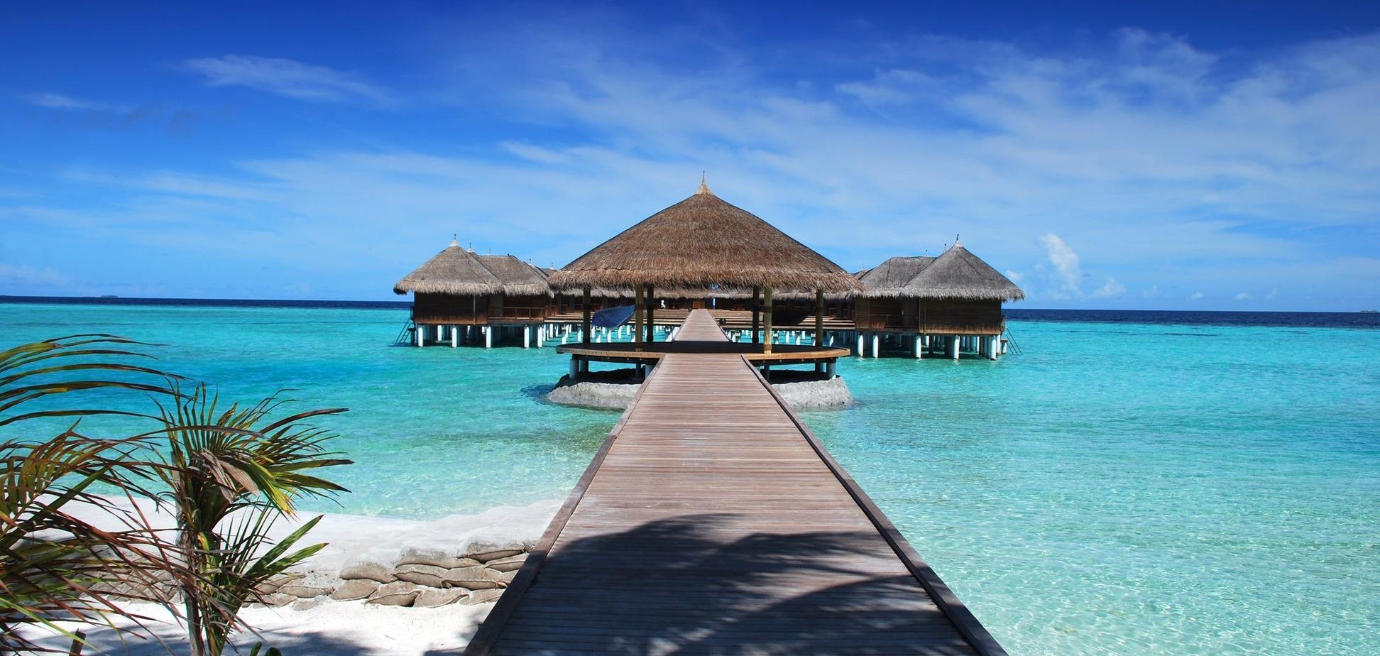 Сотни туристов застряли на Мальдивах из-за коронавируса