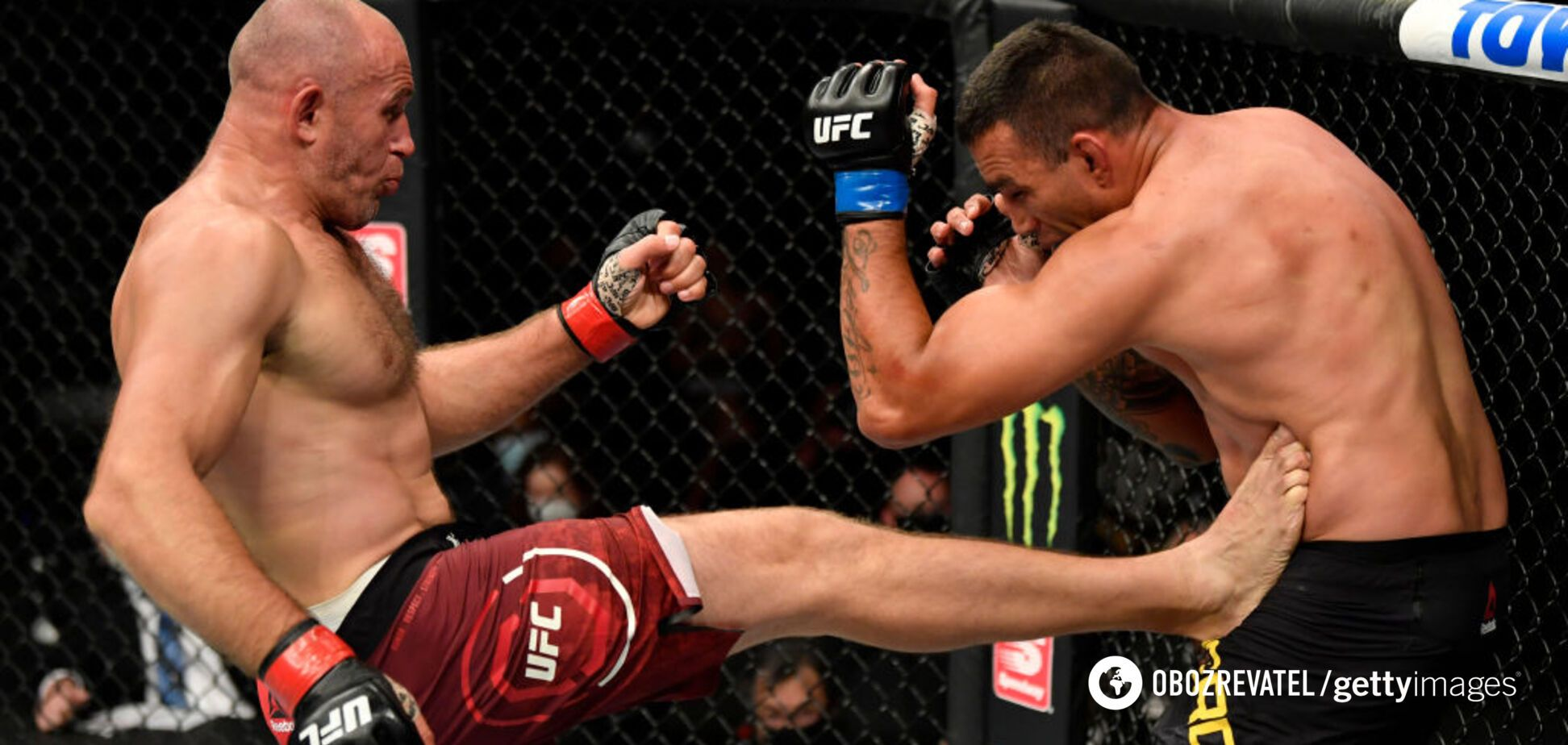 Олейник добыл тяжелую победу над Вердумом в UFC 249