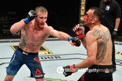 Фергюсон госпитализирован после нокаута от Гэтжи на UFC 249
