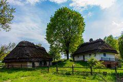 Скандальна забудова біля музею Пирогово: землю хочуть повернути державі