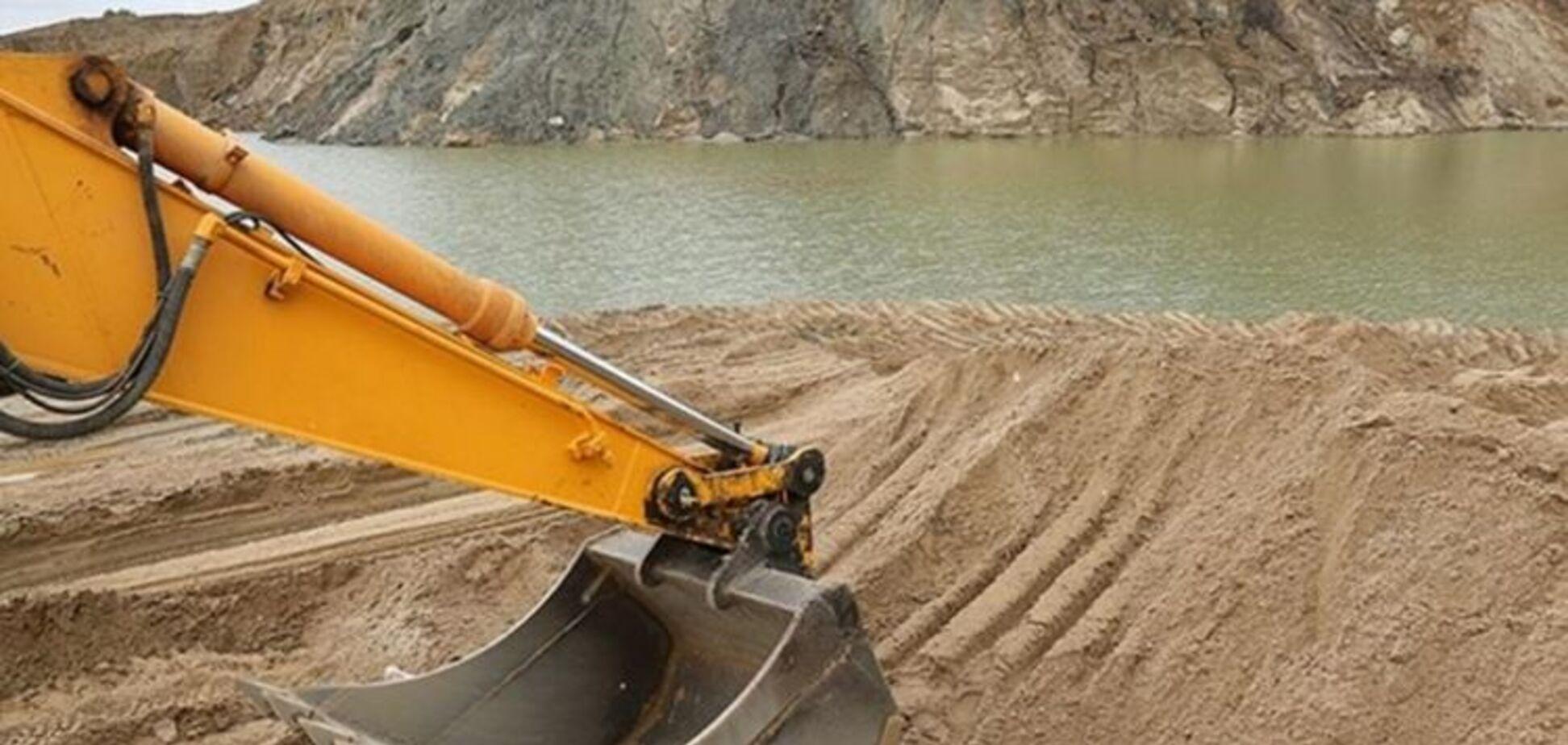 Законопроект о водном транспорте легализует незаконную добычу песка - СМИ