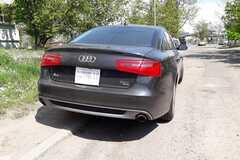 Украинец повесил на свою Audi 'карантинные' номера