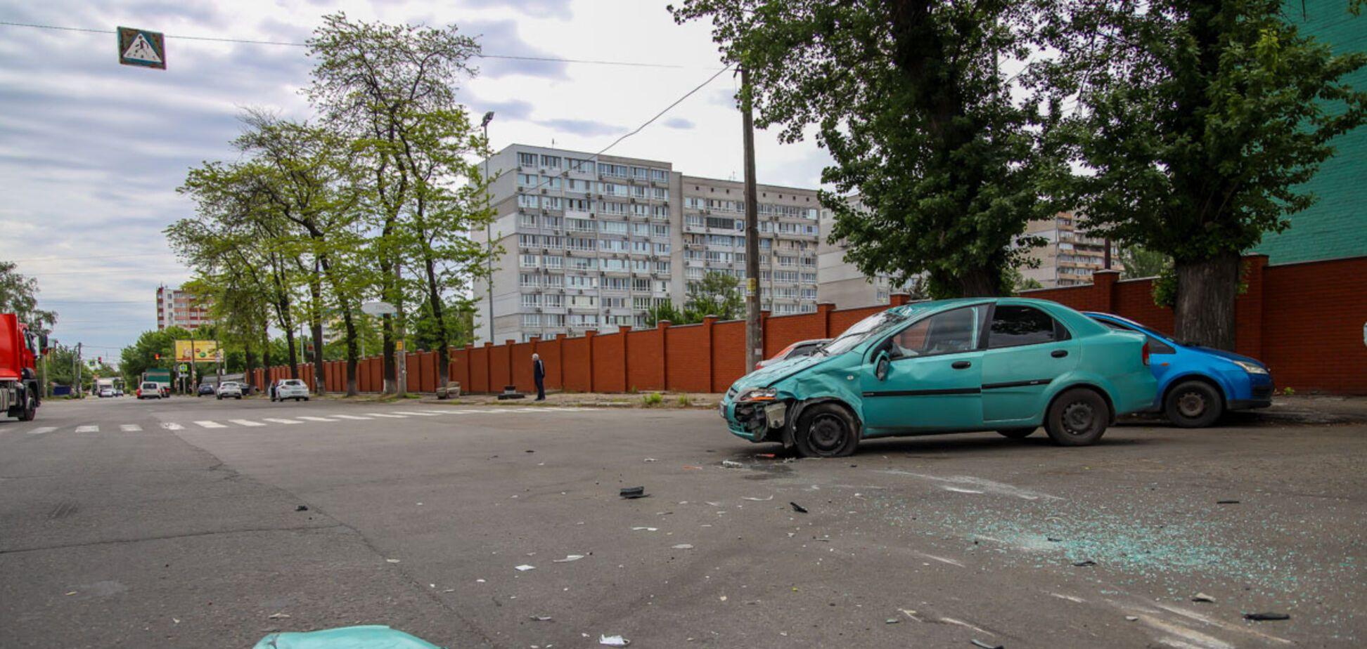 У Дніпрі сталася жорстка ДТП з переворотом: фото