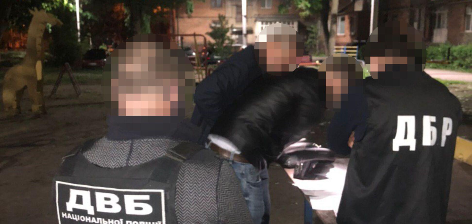 На Харківщині поліцейські 'нажили' на ремонті транспорту 850 тисяч гривень – ДБР
