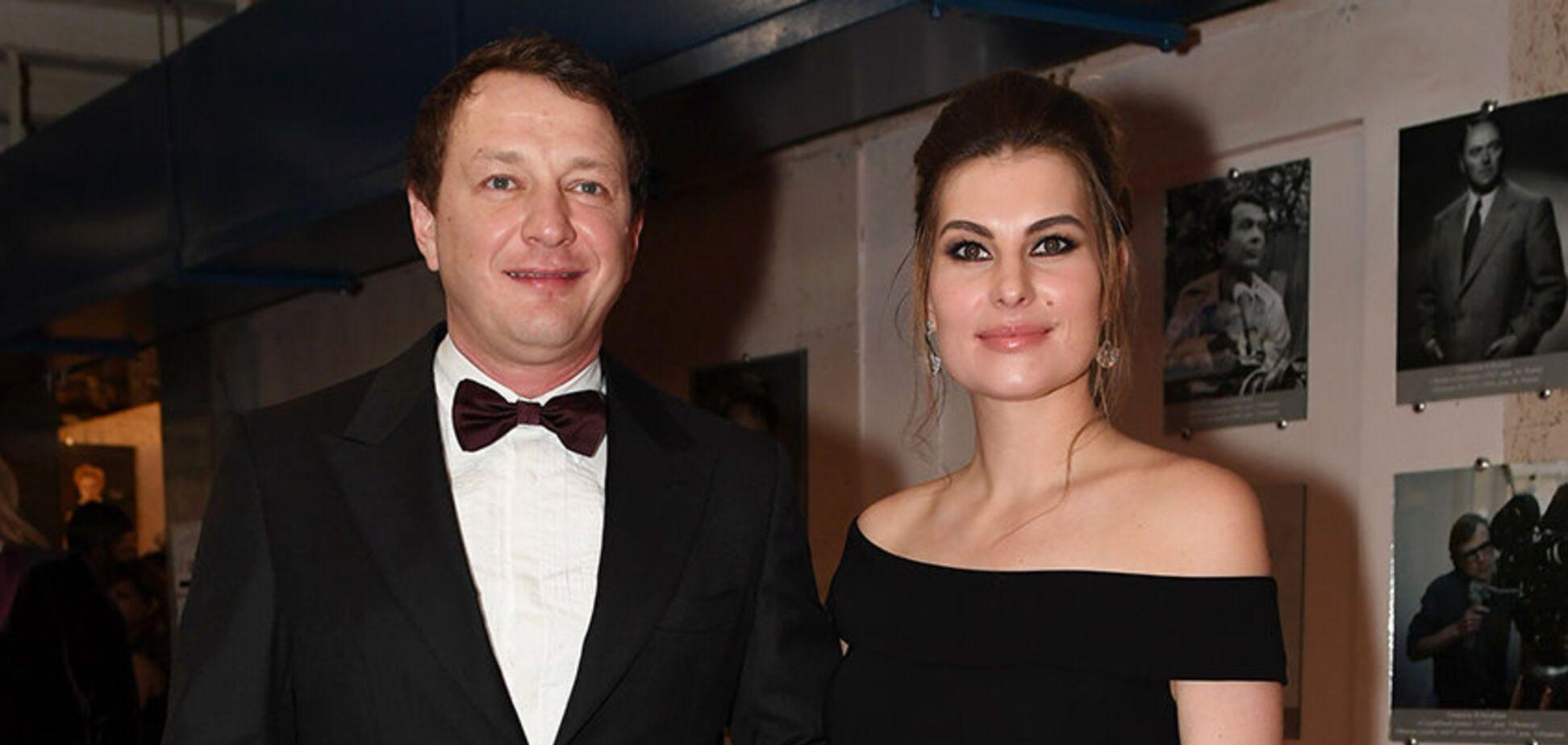 'Начал душить': стало известно о жестоком обращении Башарова с беременной женой