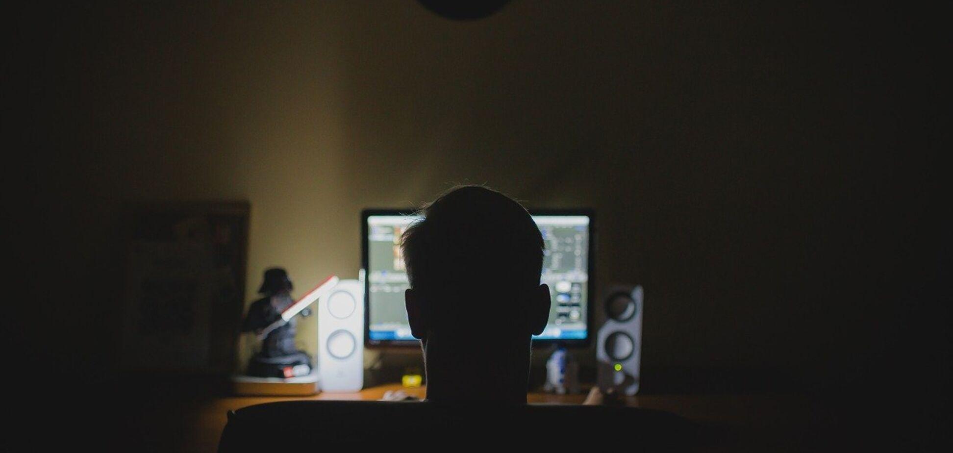 Поліція знайшла двох хакерів, які викрали дані 1,5 млн користувачів із відомих сайтів