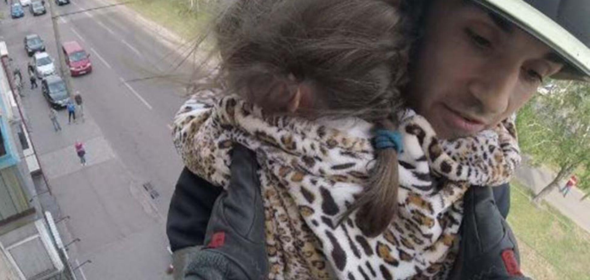 У Дніпрі під час пожежі врятували двох дорослих і дитину. Фото