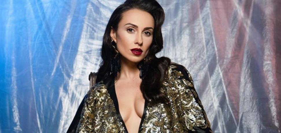 Учасниця 'Танців з зірками' вразила мережу зухвалими фото в трусиках