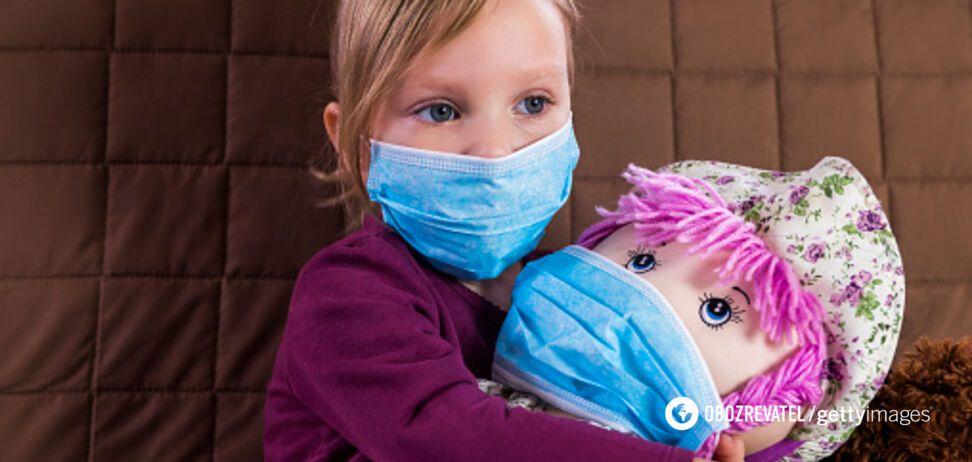 Стало известно об опасности масок для детей до 2 лет: главные правила
