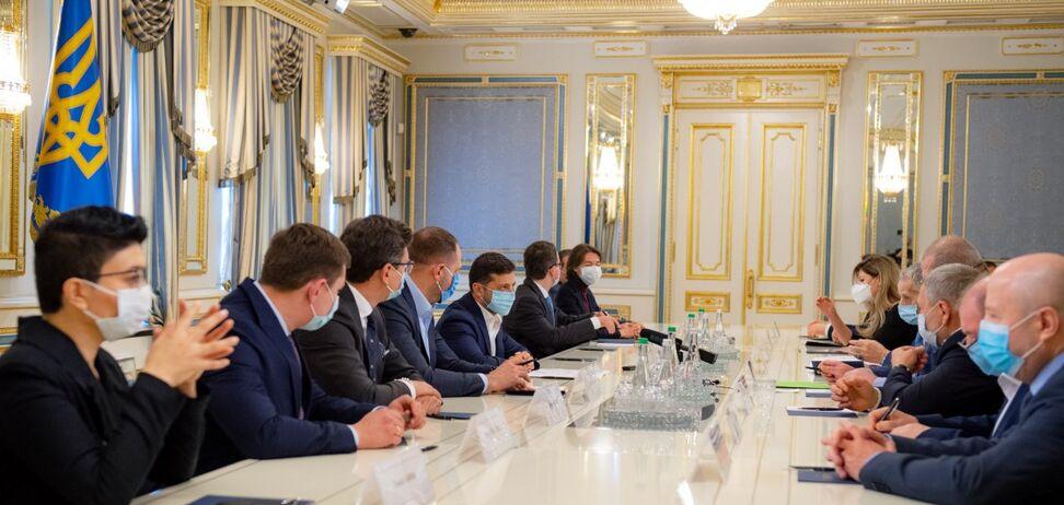 Зеленський на зустрічі з кримськими татарами