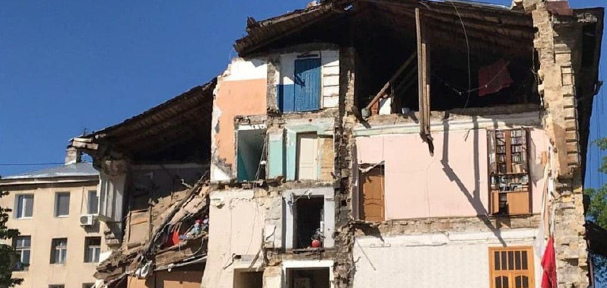 В Одессе обрушился 4-этажный жилой дом: разрушены несколько квартир. Фото и видео