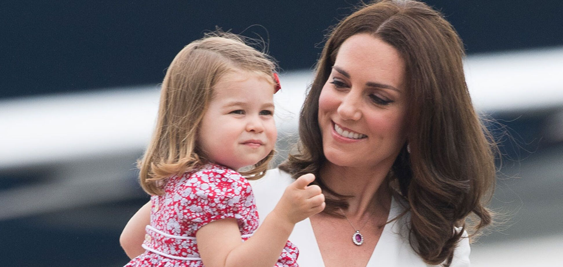 'Копия королевы Елизаветы!' Новые фото 5-летней дочки Миддлтон потрясли сеть
