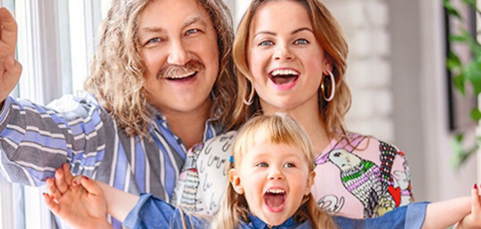 60-річний Ніколаєв зворушив домашнім відео з 4-річною донькою