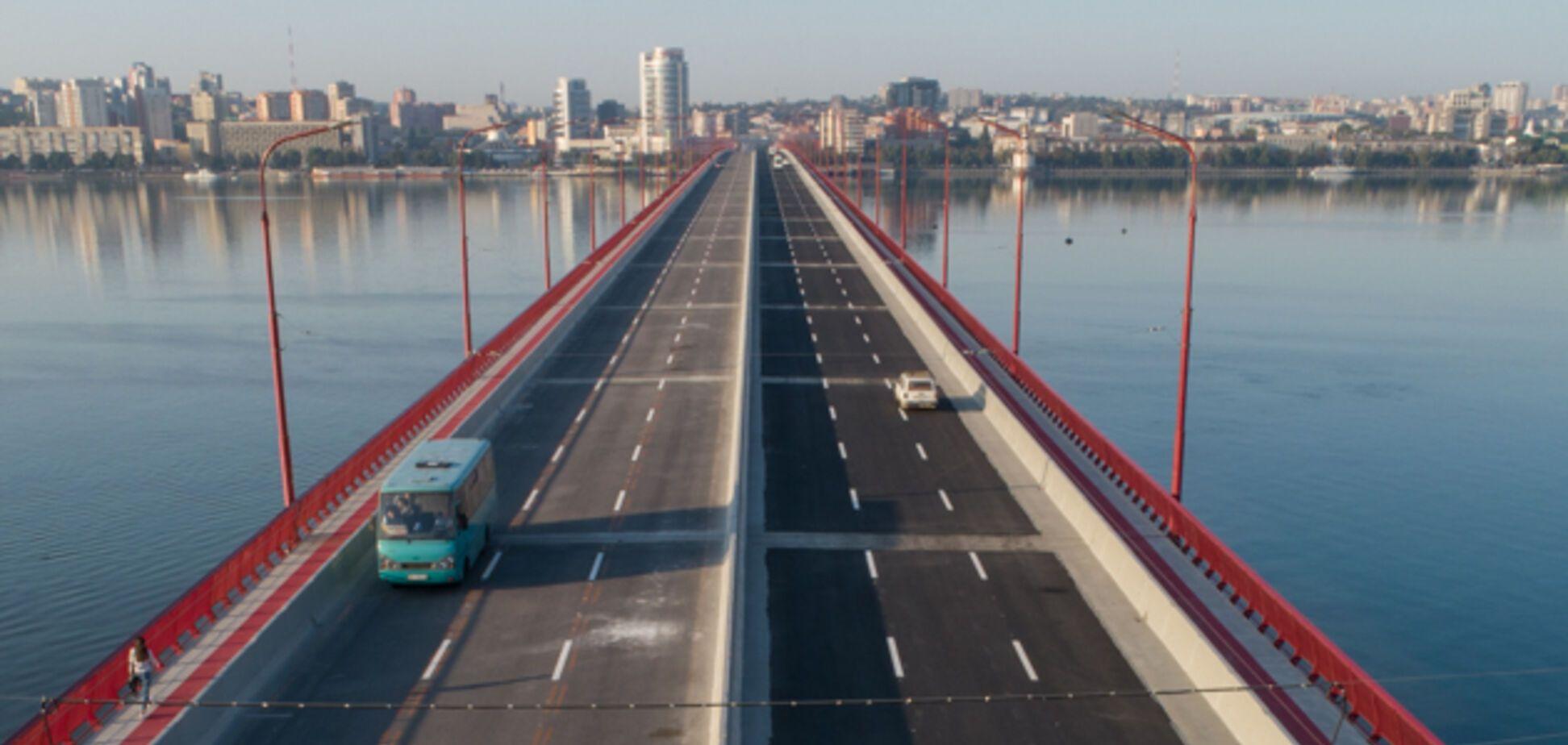 Вы строите страну в смартфоне, а мы ремонтируем мосты