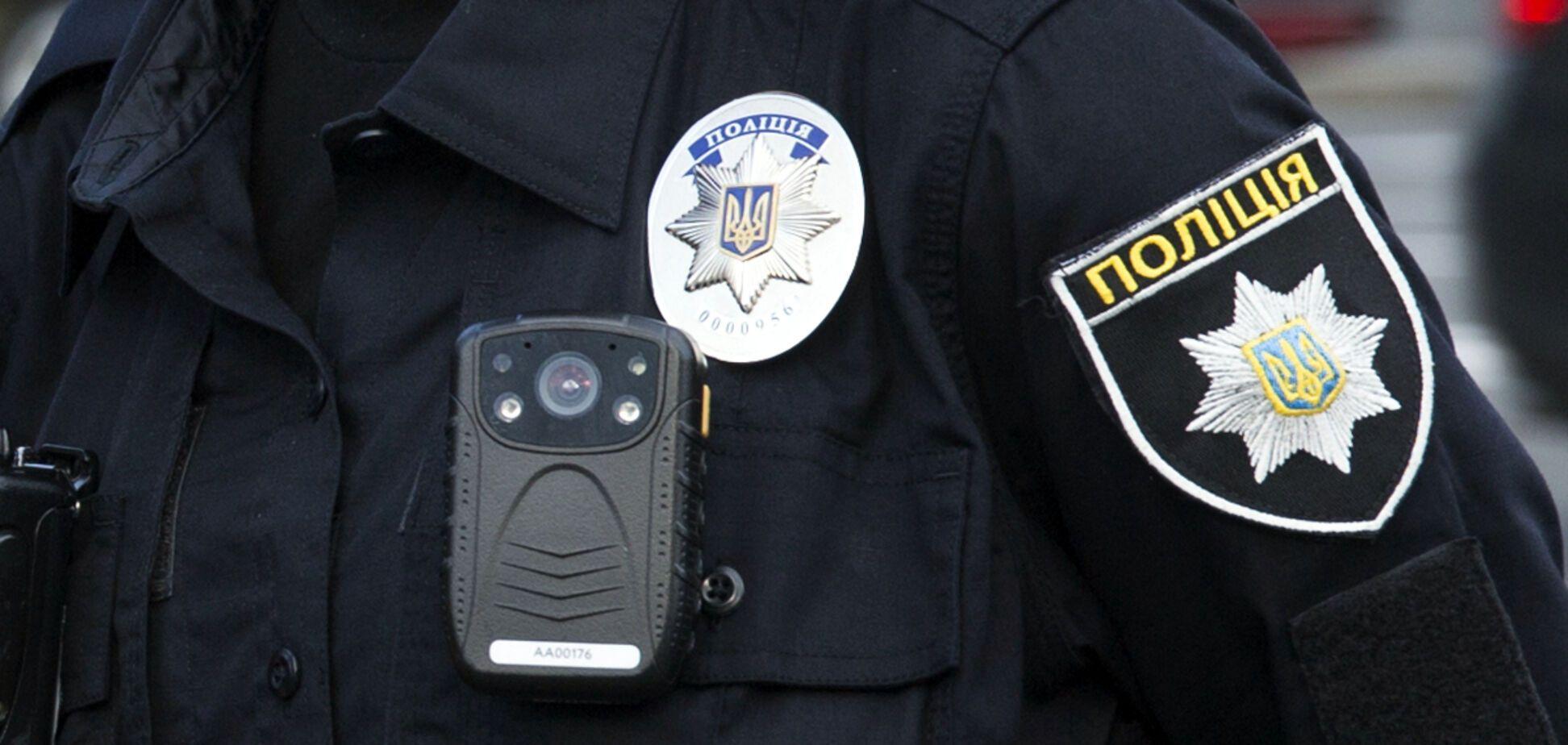 У Дніпрі натовп чоловіків напав на поліцейських: подробиці