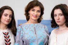 Родина Порошенка закликала провести онлайн-парад вишиванок: нехай єднає українців!