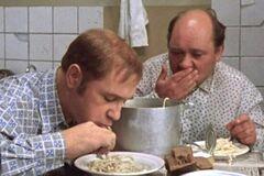 Як виглядав сніданок в СРСР: показовий кадр